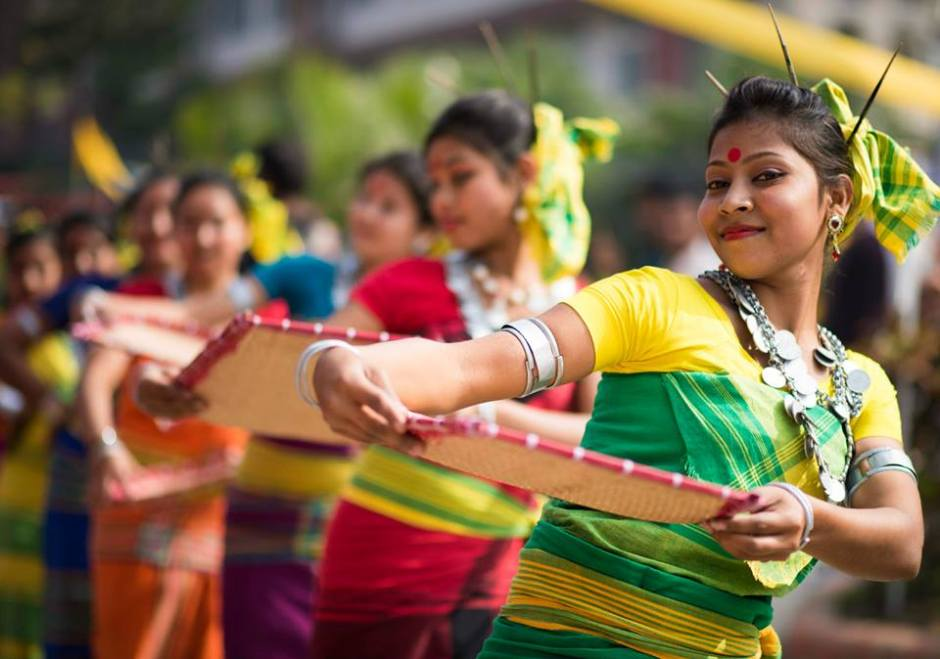 Goalini Nritya Goalini Nritya is the most popular form of folk dance among the people of western Assam basically warmed up by the Koch-Rajbongshis. This particular folk dance originated at a place Gauripur in Assam, the cultural centre of Koch-Rajbongshis from the myth (Folk Tale) of a couple of Goal and Goalini (Milkman and Milkwoman) inhabiting in the undivided Goalpara district of Assam. It depicts the day to day life and longings of the ordinary people of the Koch-Rajbongshi society in the agricultural background during the period of feudal system